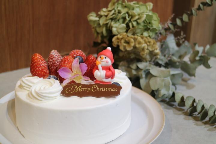 クリスマスケーキ(3,900円~)は直前まで予約可能