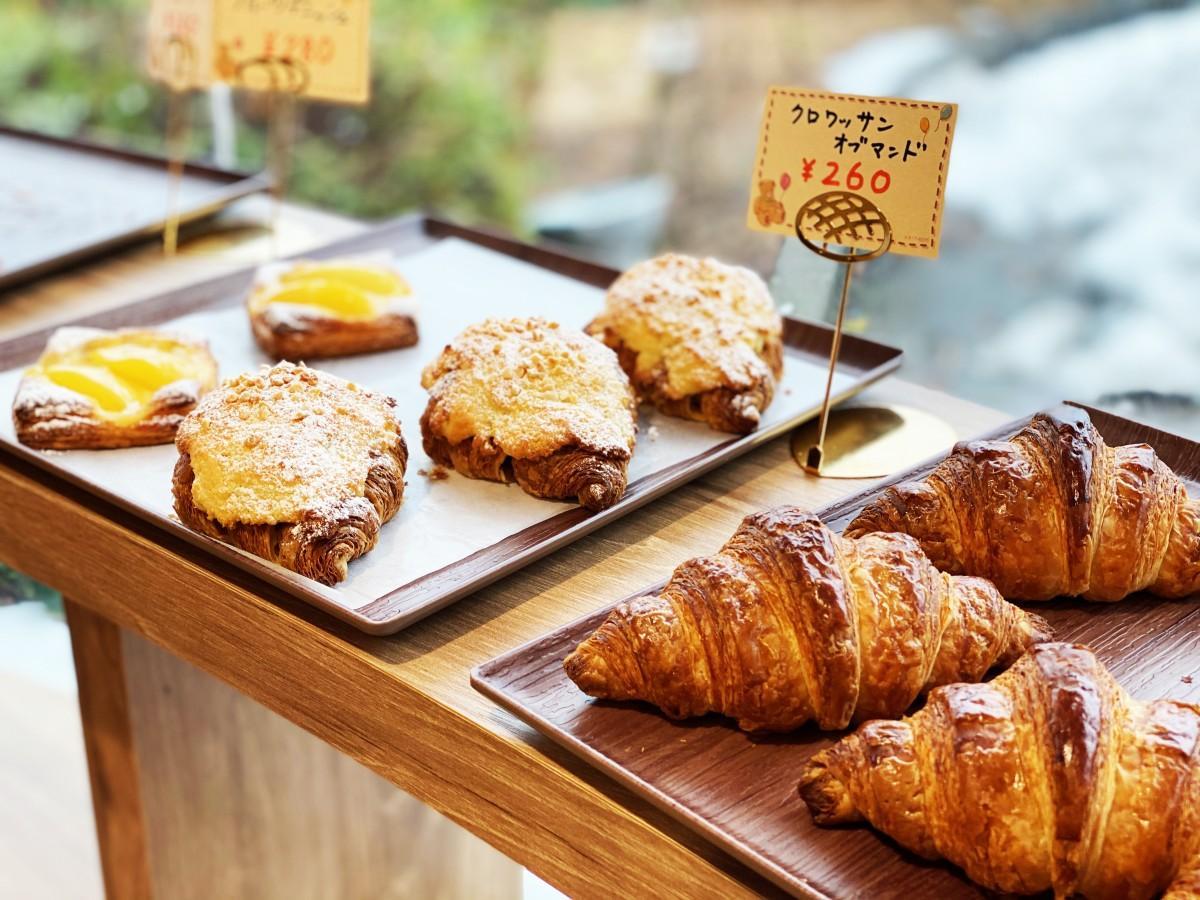 菓子パンからハード系までさまざまなパンをそろえる