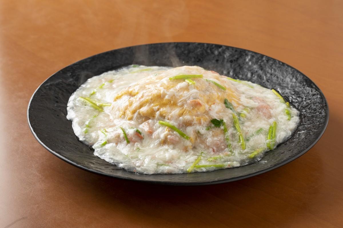 中国料理「麟」の「ずわい蟹と金沢セリのあんかけチャーハン」