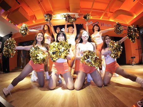 HOOTERS GIRLチアチーム