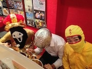 神田「カレー倶楽部ルウ」マスクで食べ放題企画が盛況-マスク姿30人が来店