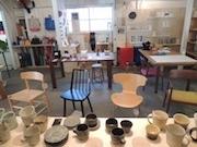 神保町の家具店「平安工房」で「イスとコーヒーとカップ展」