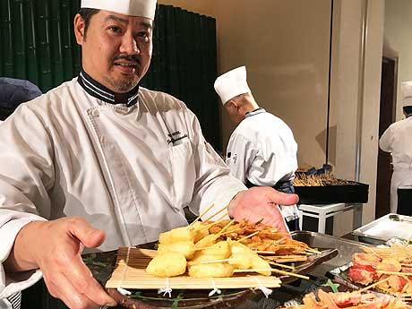 門司港のホテルで「大人のビアリゾート」 「ライブキッチン」シェフがその場で調理