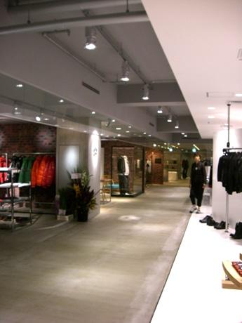 藤井大丸は9月14日、7階をメンズフロアにリニューアルオープンした。