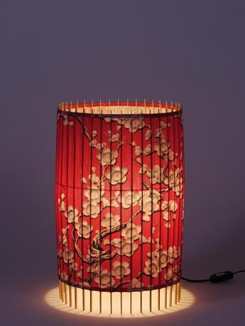 和傘構造のデザイン照明。和傘テーブルライト。