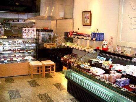 三条京阪の老舗豆腐店「豆雅傳」がリニューアルオープンした。