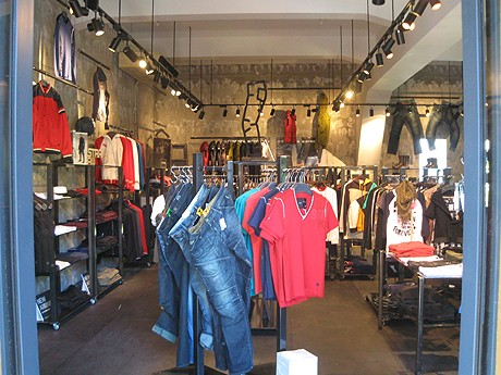デニムショップ「matchmakers(マッチメイカーズ)京都店」が新風館2階に移転オープン