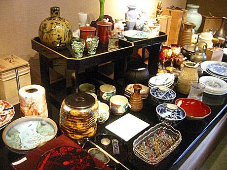 3月13日から「be京都」で「小道具・骨董市」が開催される
