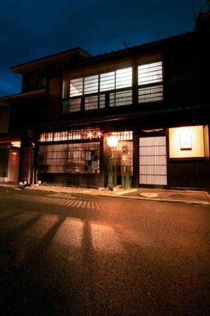 西陣エリア4カ所で開催される「都ライト'10」(写真=水野秀比古さん)