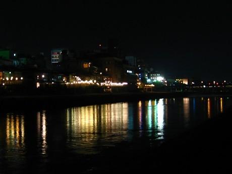 三条大橋付近の様子