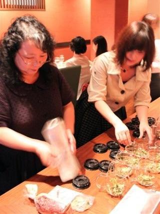 イベントでは6種類のお茶を提供する(画像は別のイベント時のもの)