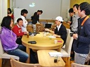 京都府庁前に「地域」がテーマのコミュニティーカフェ-学生らが運営