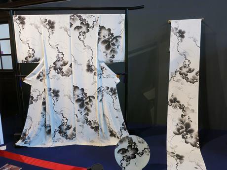 伊藤若冲の「葡萄(ぶどう)図」を元にした着物