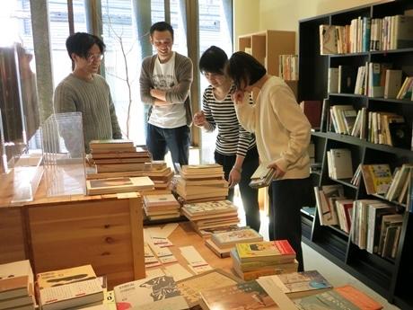 本屋の醍醐味の一つ、棚作り