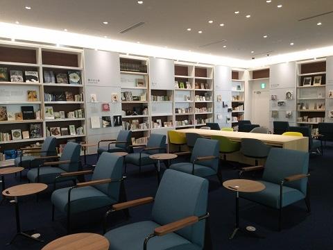 3000冊が蔵書されているライブラリー・コワーキングスペースの様子。今後も資料性の高い蔵書を順次増やしていくという