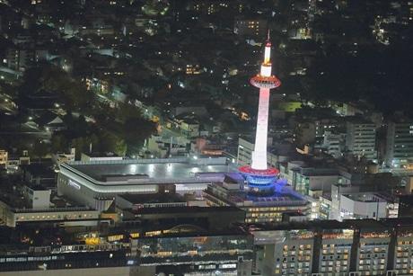 ヘリコプターからの夜景のイメージ