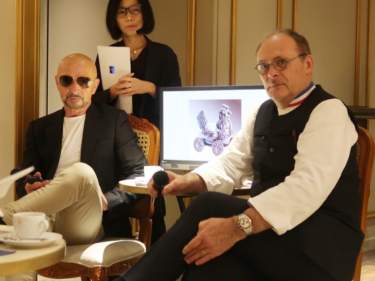ジャン=ポール・エヴァンさん(左)とアーティスティック・ディレクターのジャン・オッドさん(右)