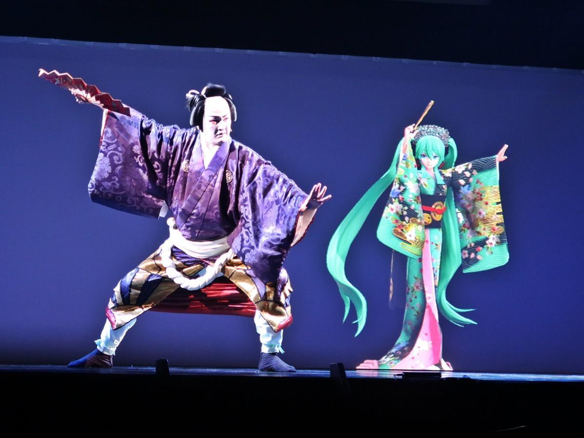 中村獅童さんと初音ミク ©NTT・松竹P ©超歌舞伎