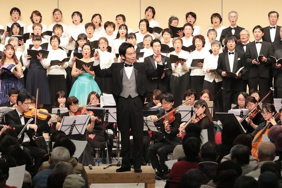 出演者と観客も一体となって歌った