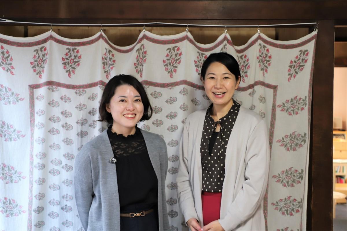 (左から)半村静香さんと小川万里子さん