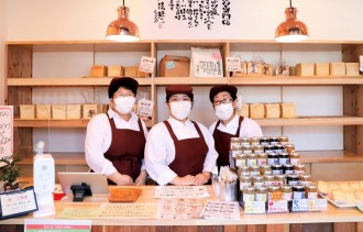 越谷に埼玉県2店目のパン店「食ぱん道」 連日400本完売続く