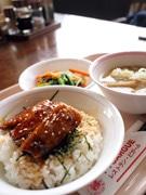 足立区役所で給食試食会-「さんまのかば焼き」など30食限定提供