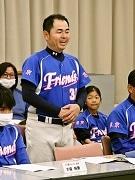 葛飾の女子ソフトボールチーム「上千葉フレンズ」が初の全国大会出場 区長も激励