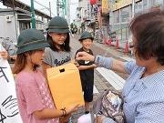 大道中と白鳥小が合同で熊本地震救済募金活動 小中連携の地域活動として
