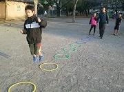 葛飾・高砂で子どもの走り方塾 登校前の朝、専門家が楽しくアドバイス