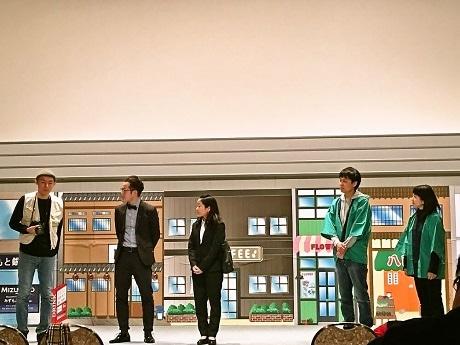 劇団よしもと葛飾座が旗揚げ公演 6歳~77歳、総勢46人が熱演