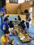 葛飾・金町の末広小学校で木工教室 カインズが指導協力