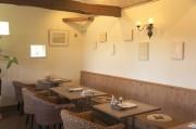 埼玉・川島町の就労支援カフェでアート展 福祉施設スタッフによる絵画など