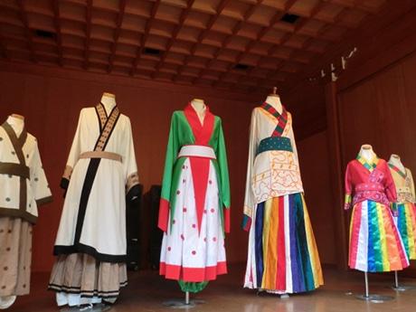 高麗神社伝来の高句麗衣装を体験