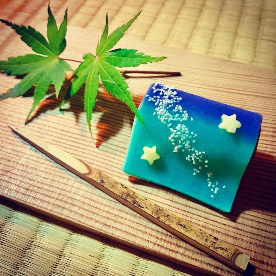 お抹茶体験の和菓子「天の川」