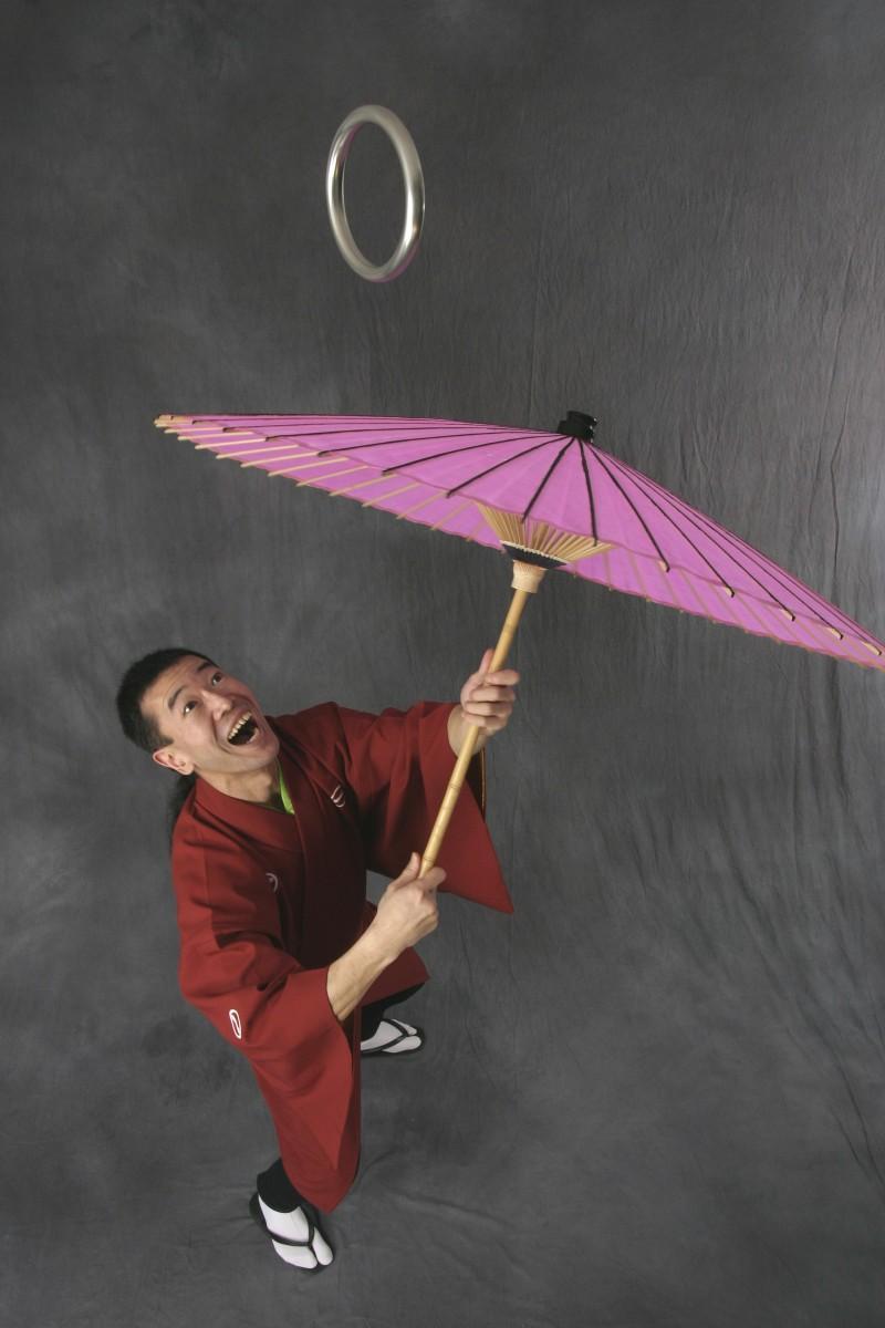 江戸太神楽曲芸師の仙丸さん