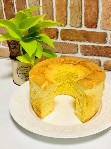 和菓子屋さんのシフォンケーキ