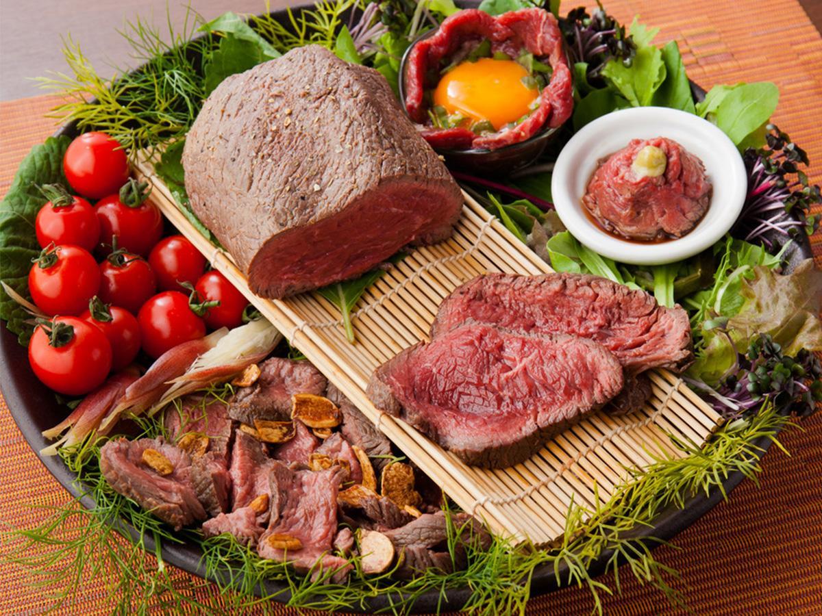 「川越原人」の「原始人が食べていた肉」をイメージした赤身肉