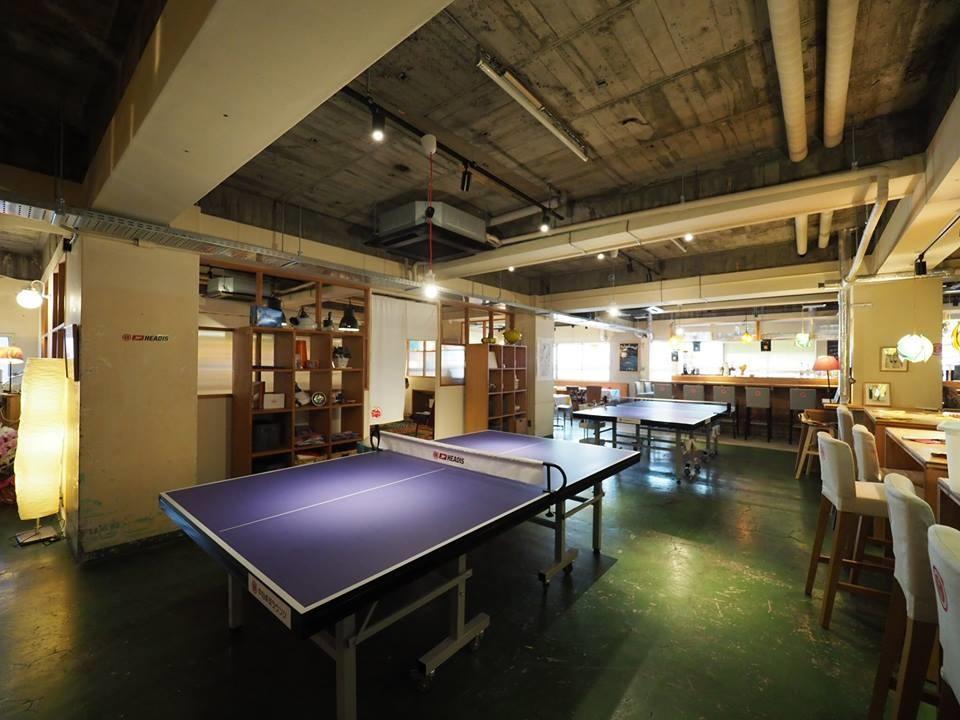 卓球のできる「中目卓球ラウンジ川崎分室」を会場に