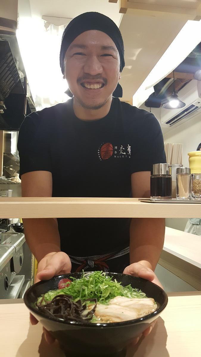 博多ラーメンを作って10年以上のキャリアを持つ店長の森田さん