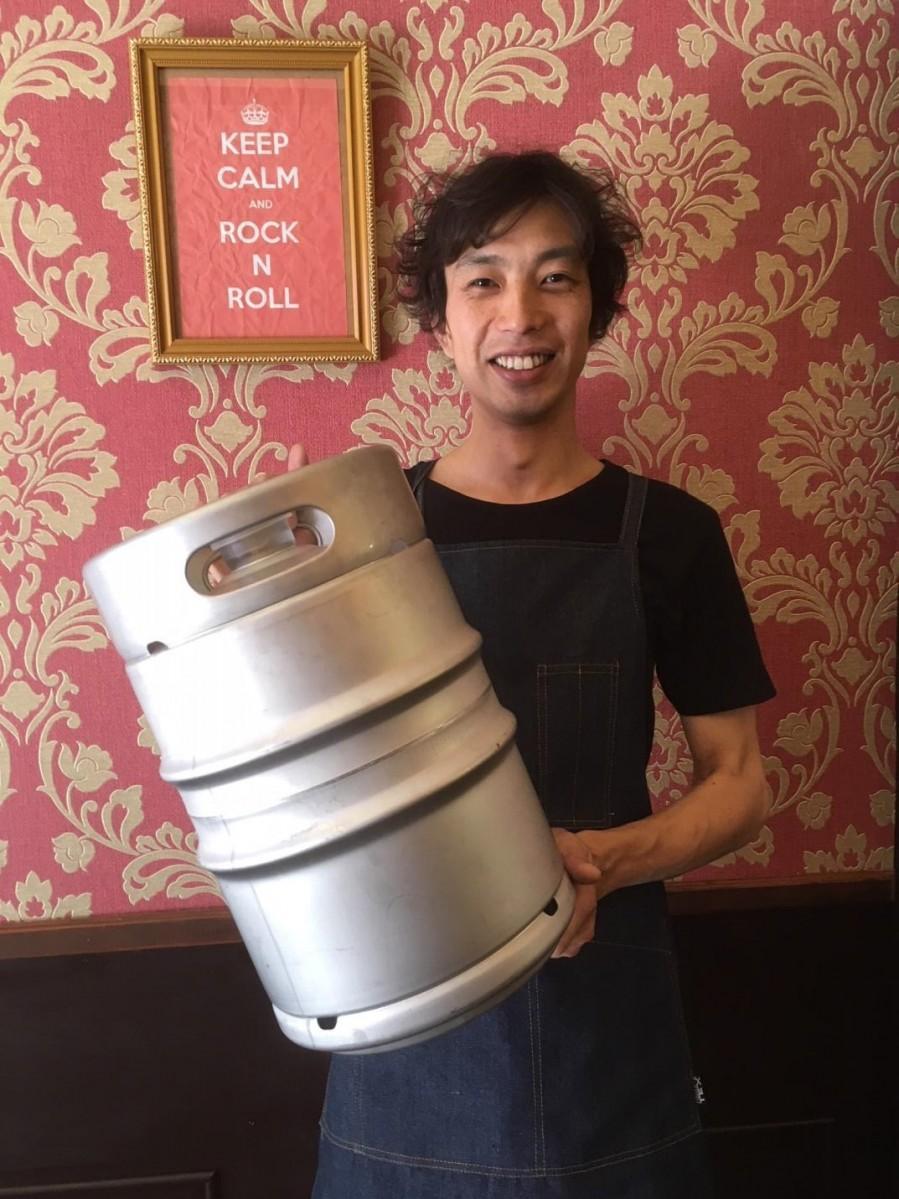 Cafe CLUB KEYを経営する、KEY CORPORATION代表の佐藤学さん