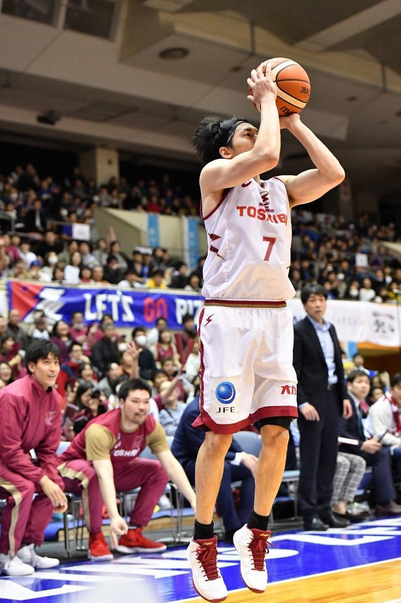 3ポイント8本を決め「2018-19シーズン1試合最多3P」を達成した篠山選手(撮影=加藤恵三)