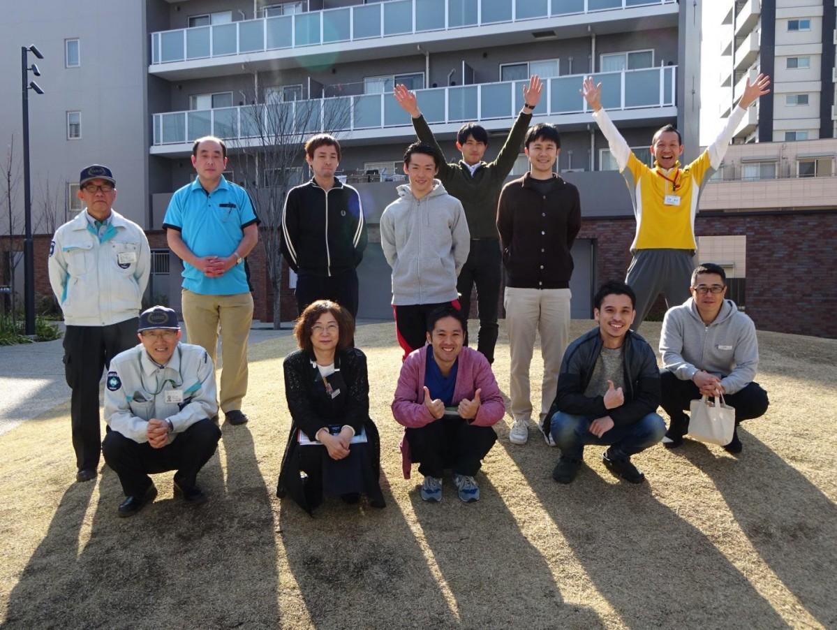 コトニアガーデン新川崎で働く職員ら