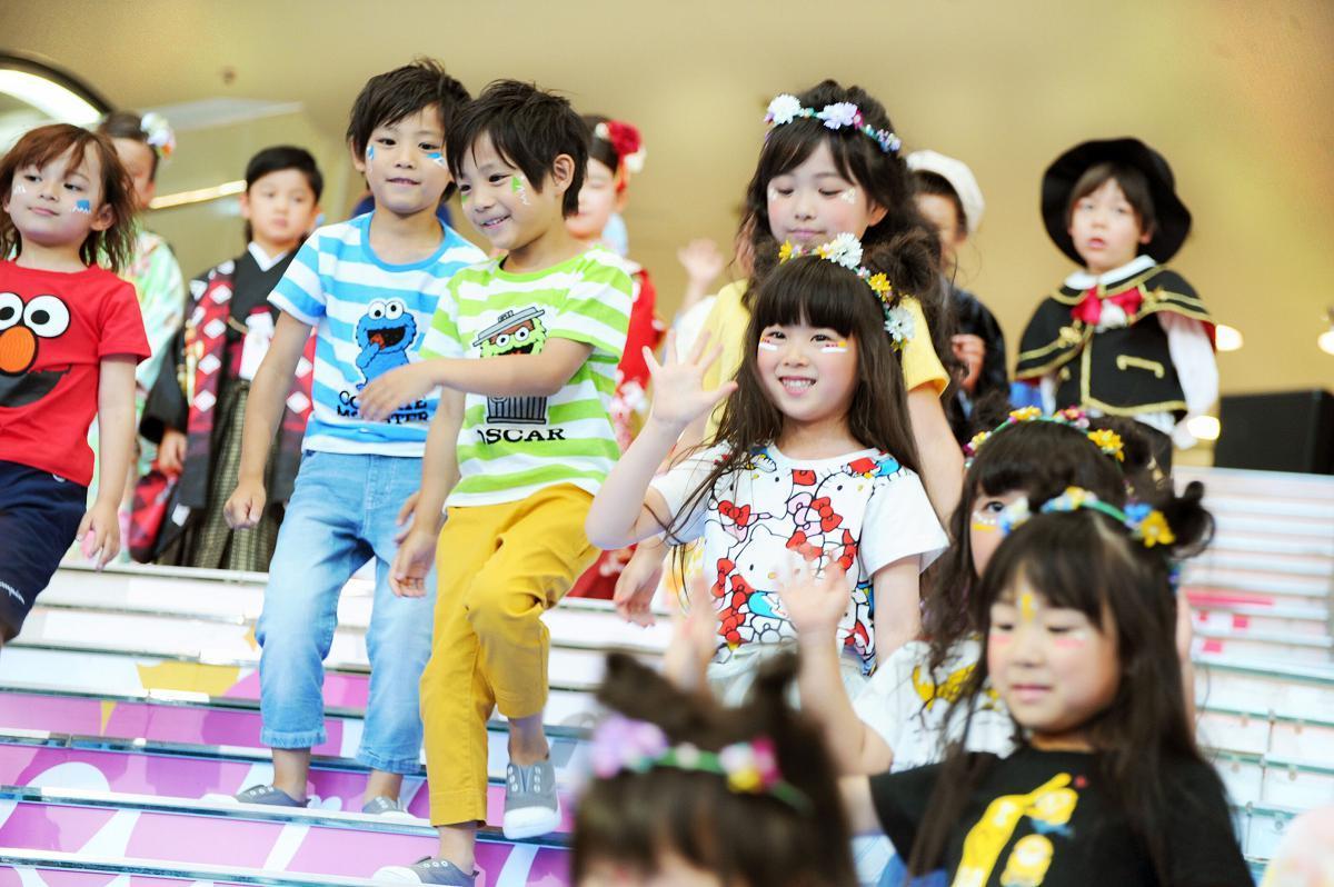キッズファッションショーでは子どもたちも活躍