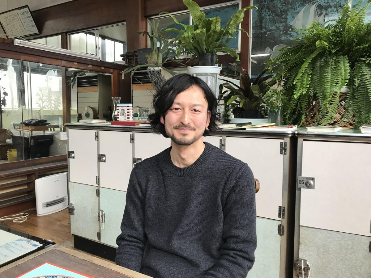 グランプリを受賞した京森康平さん(おふろ荘で)