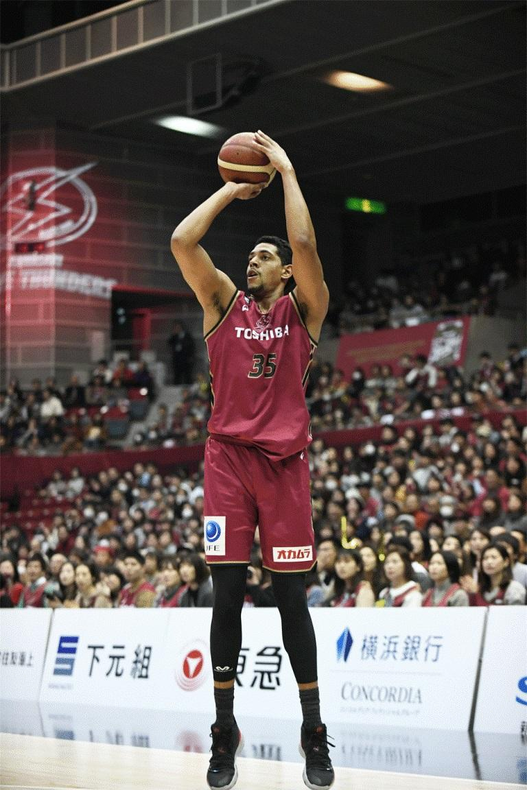 「I am anxious to fight for you guys every game.」と話すジョーダン・ヒース選手(撮影=斉藤豊)