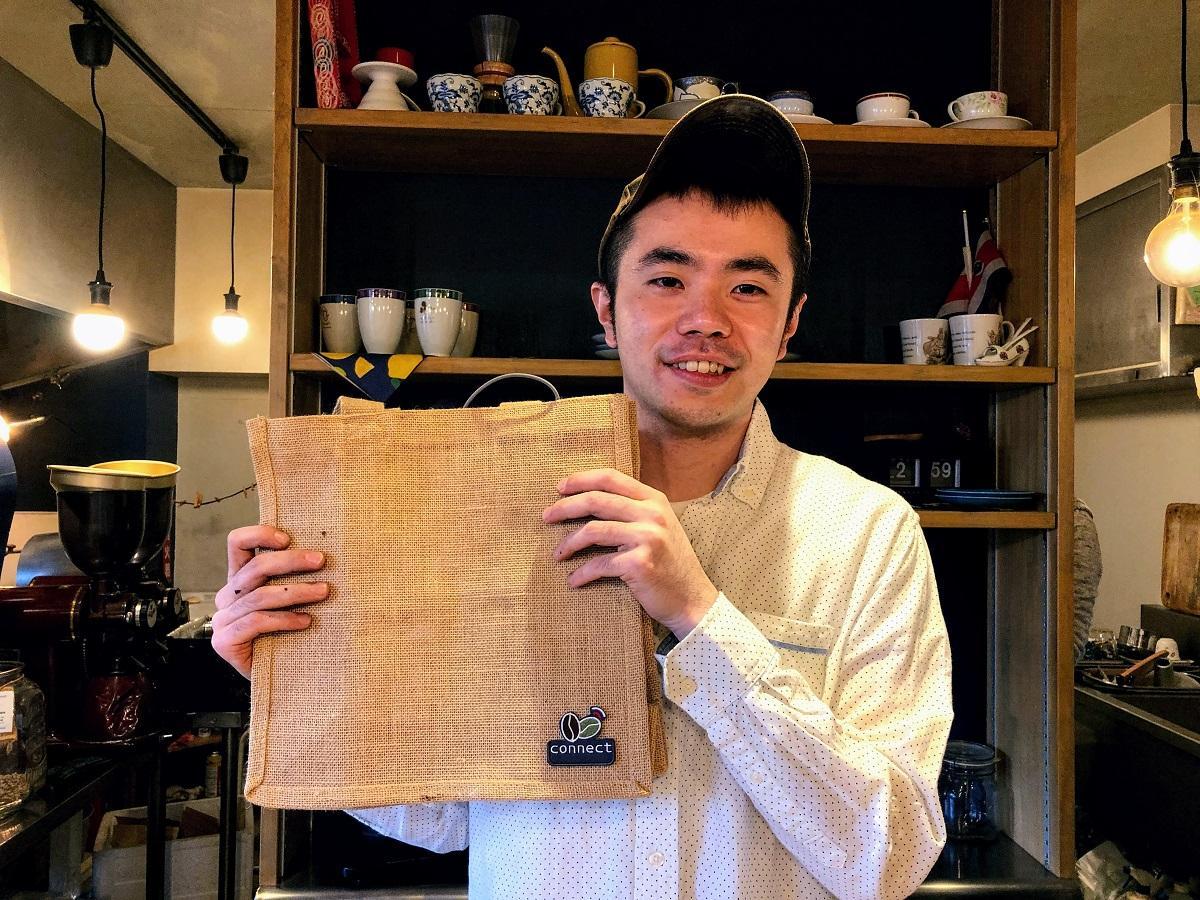 川崎から出店する「豆こねくと」(中原区小杉町)のオーナーバリスタ、高橋さん