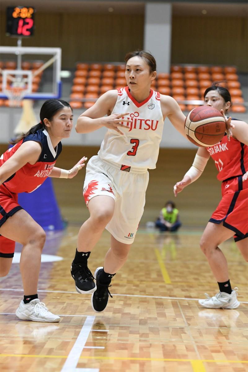 第1ラウンドで活躍した富士通レッドウェーブの岡田英里選手(撮影=斉藤豊・神奈川県バスケットボール協会)
