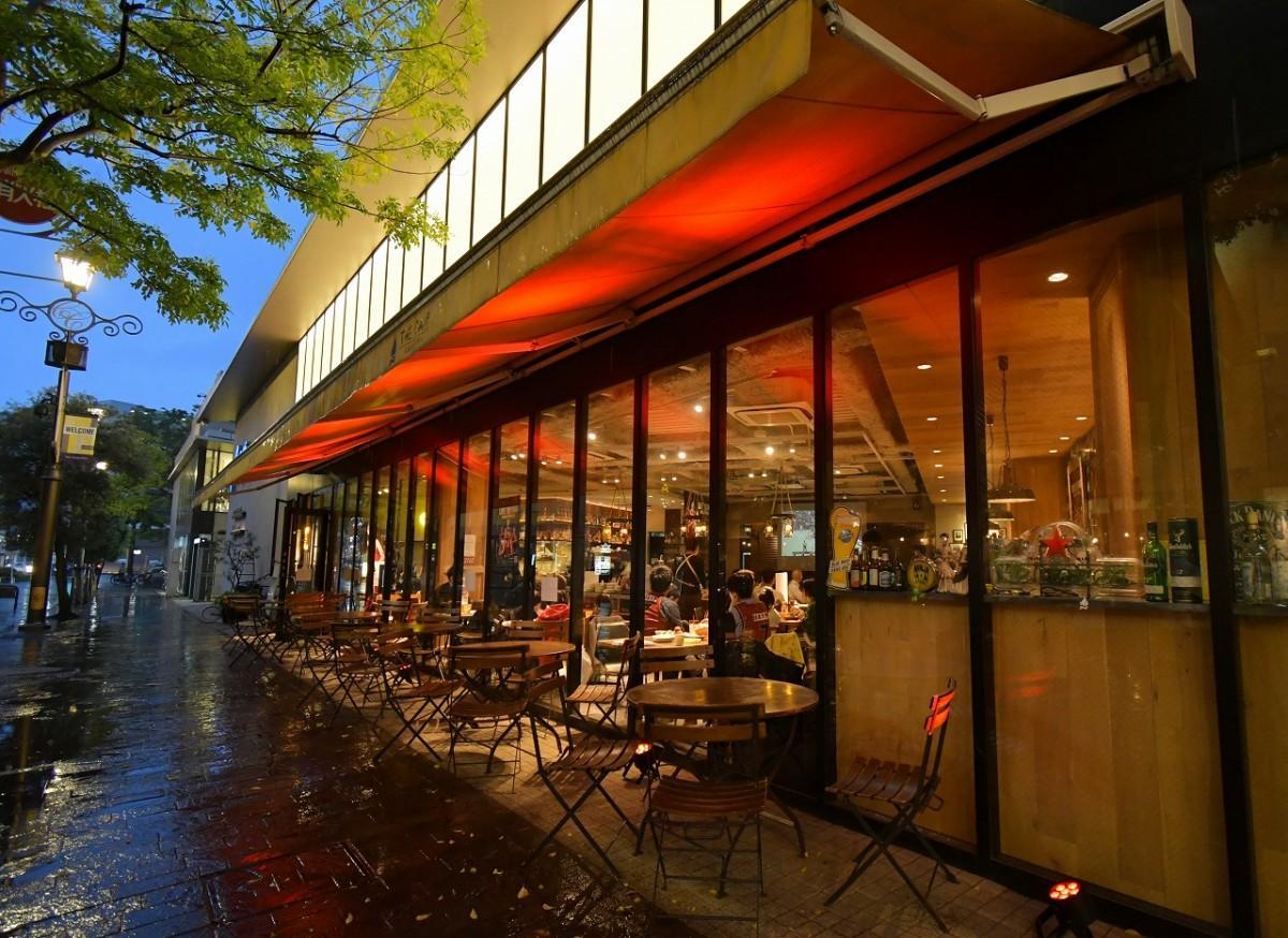「ラ チッタデッラ」内の「THE CAMP CAFE & GRILL(ザキャンプ カフェ&グリル)」を会場にして川崎ブレイブサンダース応援ライブビューイング