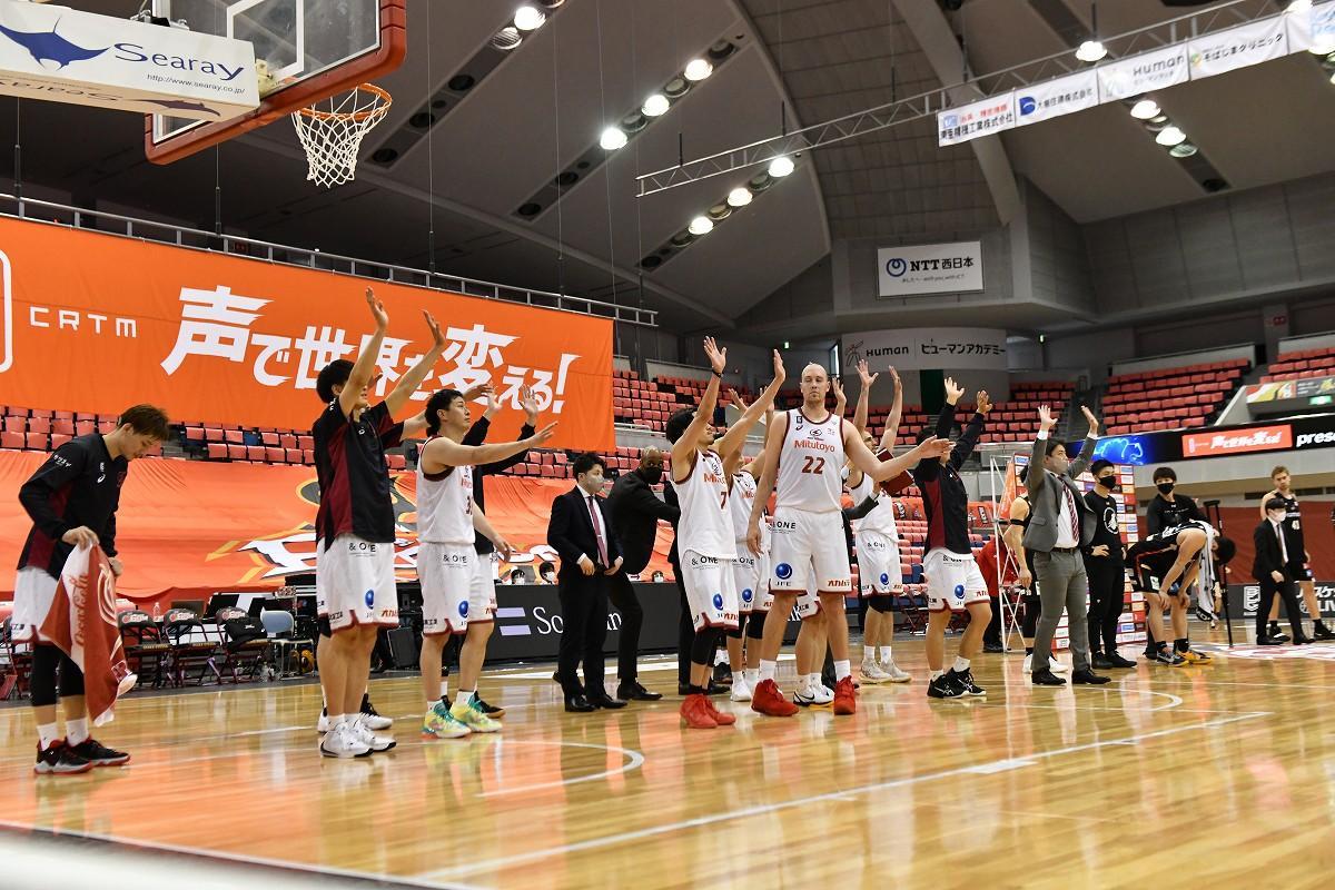 B.LEAGUE CHAMPIONSHIP 2020-21で大阪エヴェッサに勝利してSEMIFINALS(セミファイナル=準決勝)へ (撮影=加藤恵三、5月16日・おおきにアリーナ舞洲)