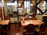 老舗自然食料品店の直営レストランでオーガニック・ボジョレ解禁